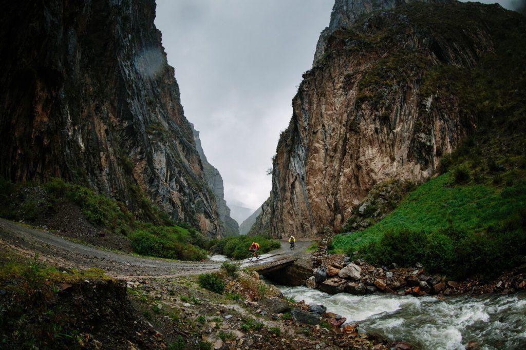 trial Huayhuash mountain